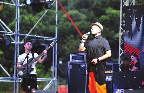 千人帐篷音乐节