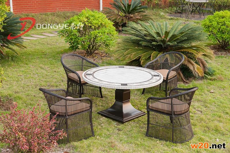 深浅啡网 米白色大理石洞石圆桌面藤编椅子组合