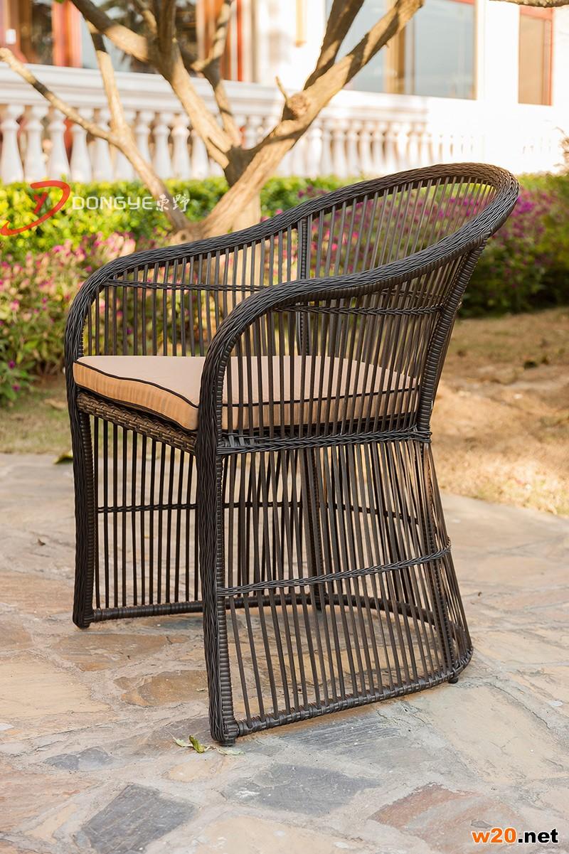 瓷砖拼花餐桌椅