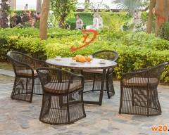 瓷砖拼花户外休闲餐桌配藤椅