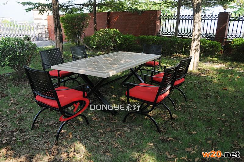 户外瓷砖拼花餐桌椅