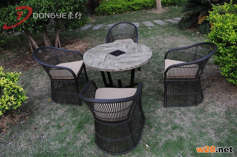 户外瓷砖圆形餐桌带伞孔YTC581601 仿木纹 四人座位