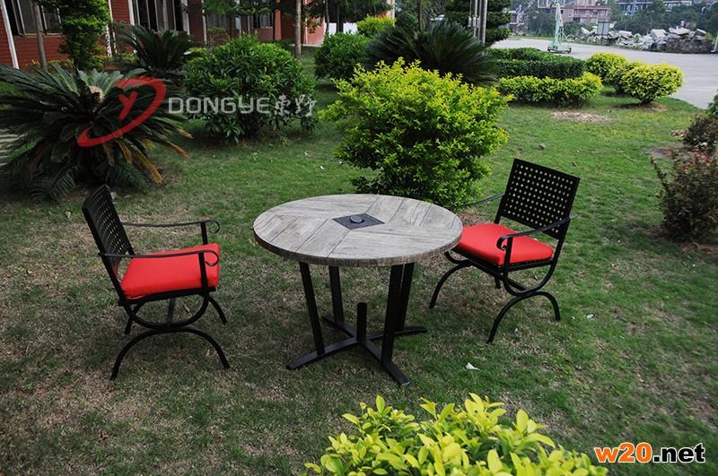 东野户外瓷砖圆形餐桌带伞孔YTC581601二人