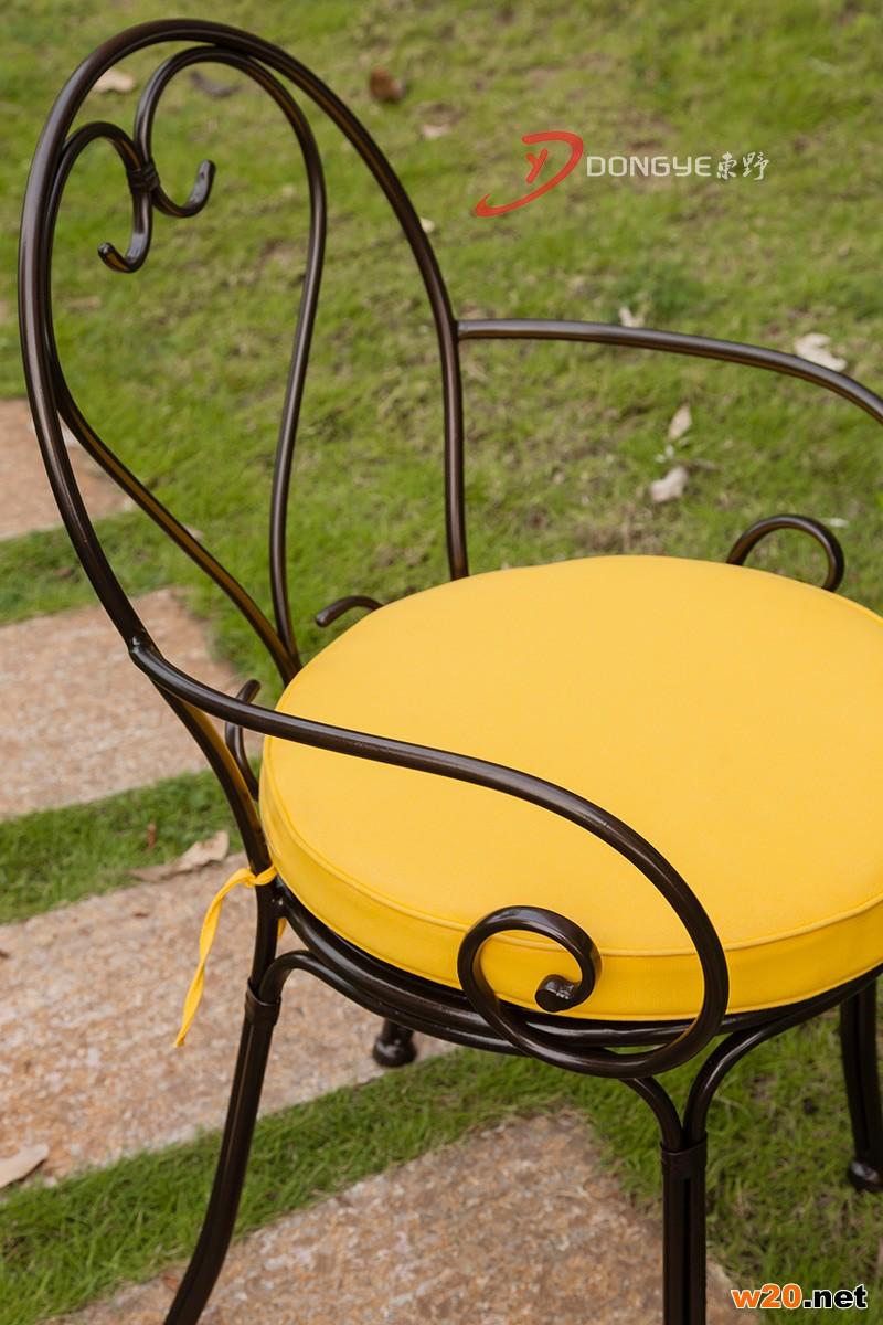咖啡桌椅子