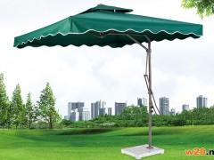 深绿色方形遮阳伞