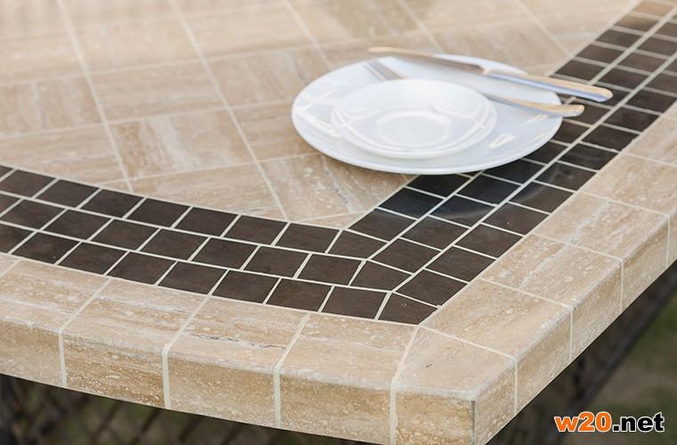 户外大理石餐桌